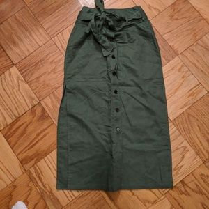 Dresses & Skirts - NWOT green linen skirt